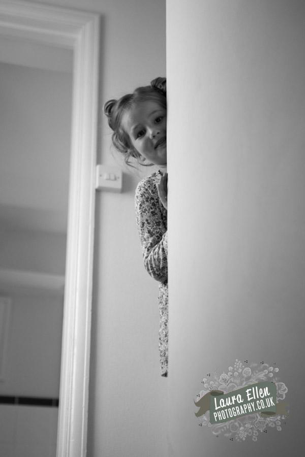 Hiding flowergirl